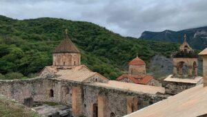 Особенности армянского характера в описании Магды Нейман - Храбрость Арцахца