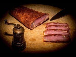 Универсальные продукты из мяса в пищевой культуре Армении